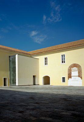 Restauro del quartiere militare borbonico